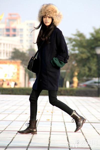 暴雨天穿搭靴子最管用 时尚不减