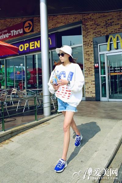 休闲运动鞋 搭配裙装or裤装都时尚