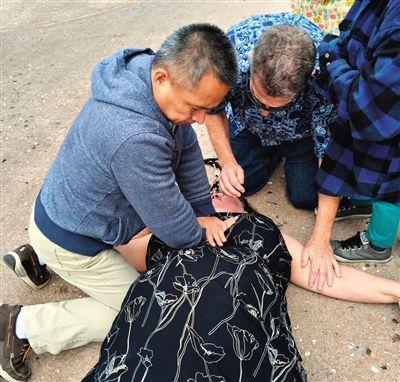 北京医生美国救女游客 景点奖励其看鲸鱼演出