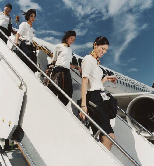 摄影师镜头下的各国空姐 端庄温和有魅力