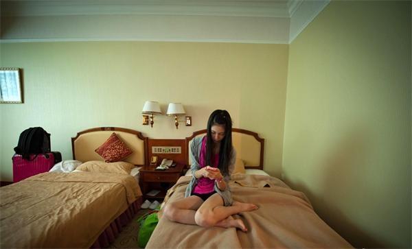 处处辛酸泪 在中国讨生活的16岁日本嫩模